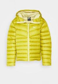 Nike Sportswear - Down jacket - tent/tea tree mist - 4