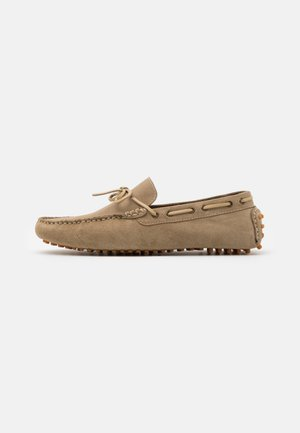 SANTINO LACE DRIVER - Moccasins - beige/stone