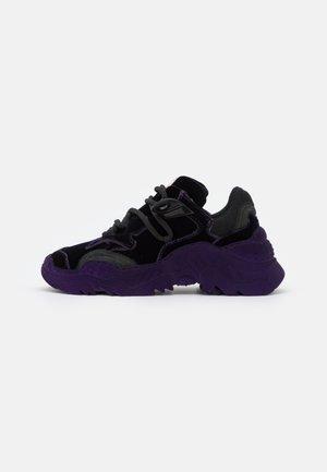 BILLY - Tenisky - purple