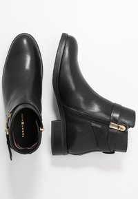 Tommy Hilfiger - HARDWARE FLAT BOOTIE - Classic ankle boots - black - 3