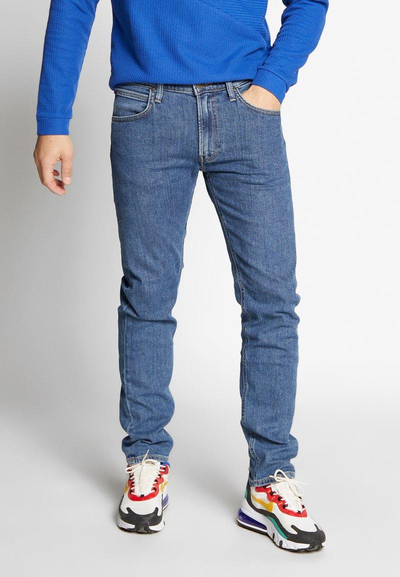 Lee - DAREN ZIP FLY - Jeans straight leg - mid stonewash