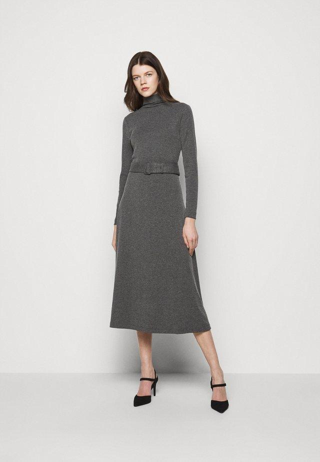 MELISSAH DRESS - Sukienka dzianinowa - charcoal heather