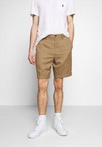 Polo Ralph Lauren - CLASSIC FIT NEWPORT - Shorts - desert khaki - 0