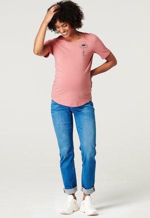 T-shirt print - rose scent