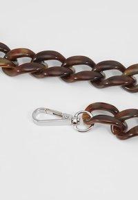 HVISK - CHAIN HANDLE - Accessoires - Overig - brown - 2