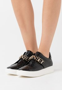 TWINSET - LOGO LETTERING - Slip-ons - nero - 0