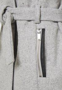 ONLY Tall - ONLMICHIGAN COAT - Kåpe / frakk - light grey melange - 8