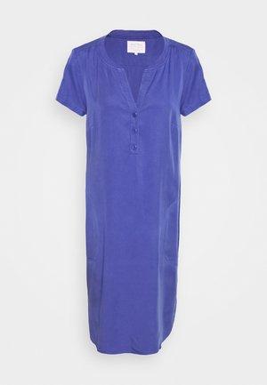 AMINASS - Day dress - marlin