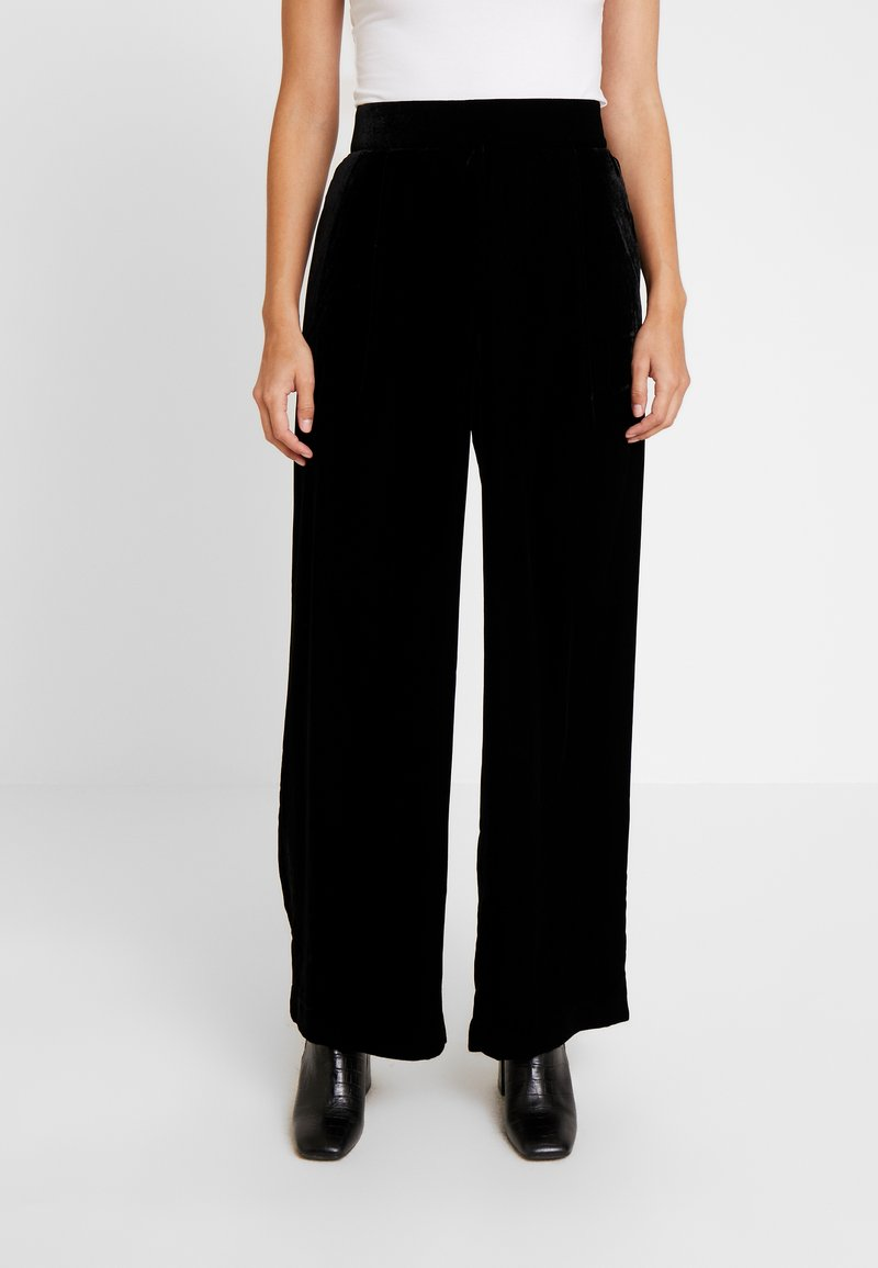 GAP - Pantalones - true black