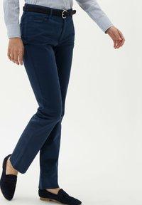 BRAX - STYLE MARY - Pantalon classique - indigo - 0