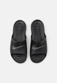 Nike Sportswear - VICTORI ONE SHOWER SLIDE - Matalakantaiset pistokkaat - black/white - 3