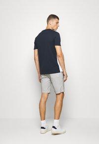 Casual Friday - SHORTS CFPERSEY STRIPE - Shorts - ecru - 2