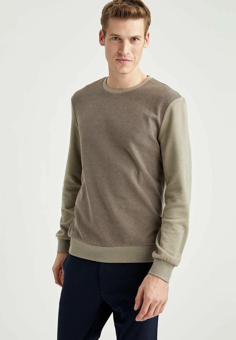 DeFacto - Sweatshirt - khaki