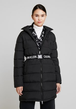 LONG PUFFER WITH WAIST BELT - Winter coat - black