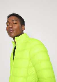 Brave Soul - MORITZSHIP - Light jacket - neon - 4