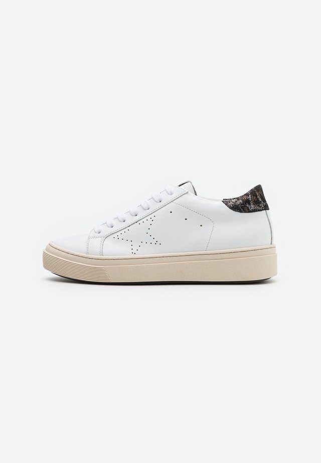 ANDREA - Sneakers basse - bianco