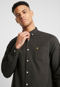 Lyle & Scott - REGULAR FIT  - Skjorta - true black/olive - 3