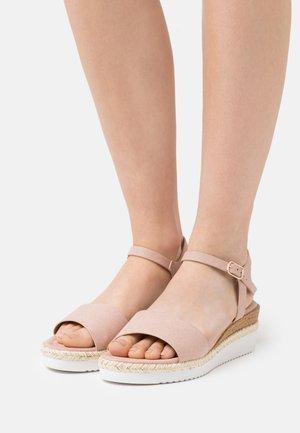 COMFORT - Platform sandals - light pink