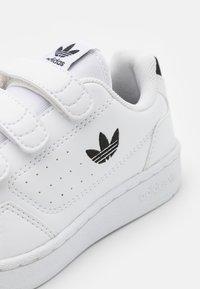 adidas Originals - NY 90 UNISEX  - Tenisky - footwear white/core black - 5