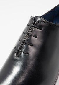 Brett & Sons - Elegantní šněrovací boty - natur noir - 5