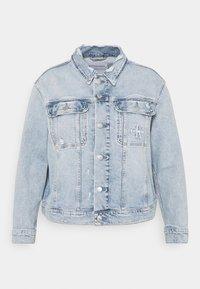 Calvin Klein Jeans Plus - 90S TRUCKER PLUS - Denim jacket - denim light - 4