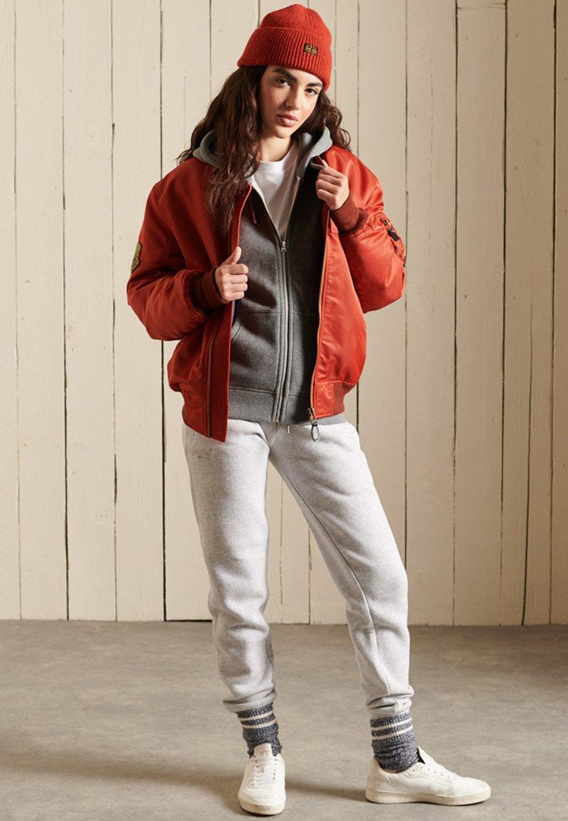Superdry - VINTAGE LOGO EMBROIDERED  - Zip-up sweatshirt - rich charcoal marl