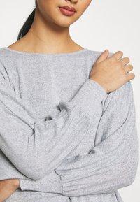 New Look - DEEP HEM BATWING - Jersey de punto - light grey - 5