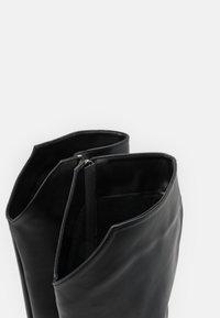 Trendyol - Boots med høye hæler - black - 5