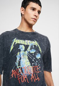 Revival Tee - METALLICA COLOR - Print T-shirt - anthracite - 4