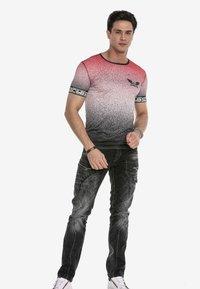 Cipo & Baxx - Print T-shirt - red - 1