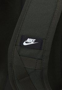 Nike Sportswear - UNISEX - Batoh - green - 4