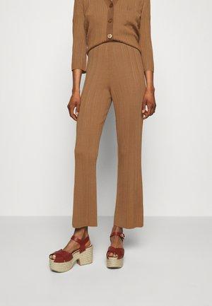 MERO - Trousers - sable