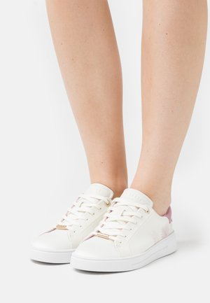 DELYLAS - Trainers - white