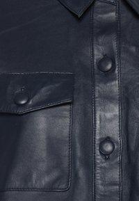 ICHI - IHYOHANNA SH - Button-down blouse - dark navy - 6