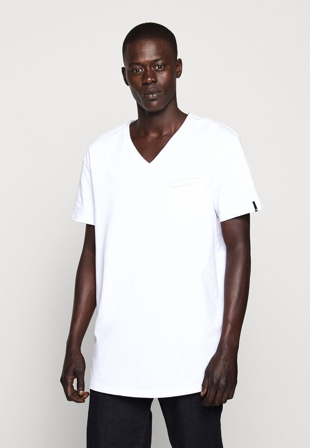 V-NECK - Basic T-shirt - white
