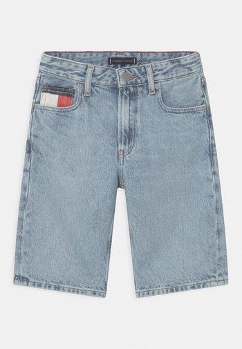 MODERN STRAIGHT - Shorts di jeans - blue denim