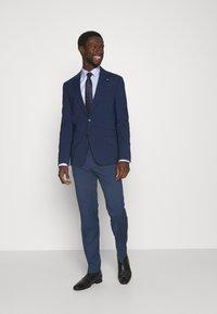 Tommy Hilfiger Tailored - FLEX CHECK SLIM FIT SUIT - Suit - blue - 1
