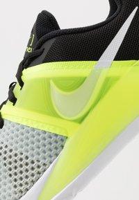 Nike Performance - RENEW FUSION - Obuwie treningowe - spruce aura/white/black/volt - 5