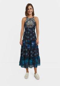 Desigual - DESIGNED BY M. CHRISTIAN LACROIX: - Sukienka letnia - black - 0