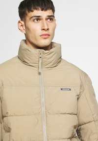 Jack & Jones - JORSPECTOR PUFFER JACKET - Winterjas - chinchilla - 4