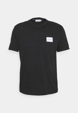 TURN UP LOGO SLEEVE - T-shirt basic - black