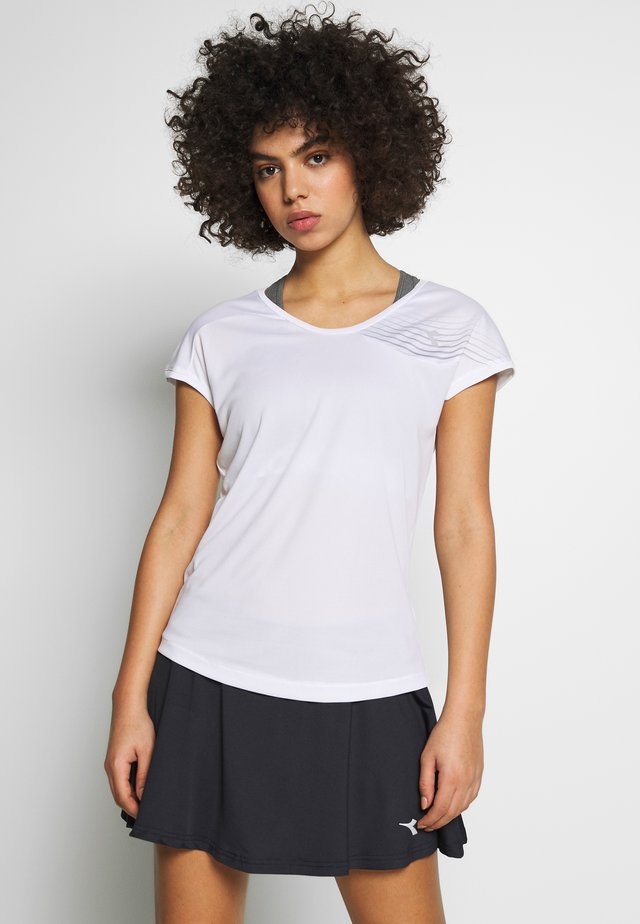 COURT - T-shirt z nadrukiem - optical white