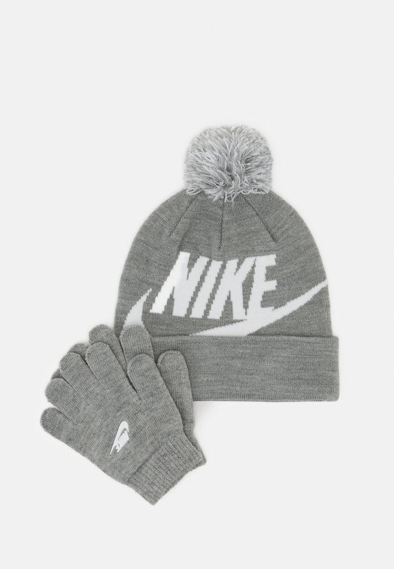 Nike Sportswear - POM BEANIE GLOVE SET - Gloves - grey heather