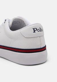 Polo Ralph Lauren - LONGWOOD UNISEX - Sneakers - white/newport navy - 6