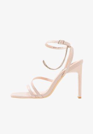 FLIRTY CHAIN - Korolliset sandaalit - soft pink