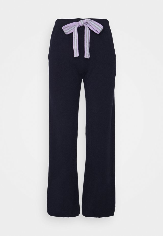RING MASTER TRACK PANTS - Pantalon de survêtement - navy/lilac/ blue