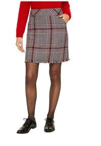 comma - KURZ - Mini skirt - red - 5