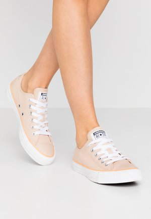 CHUCK TAYLOR ALL STAR - Sneaker low - shimmer/white/fuel orange