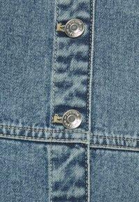 Gina Tricot - STRAP DRESS - Denimové šaty - blue - 2