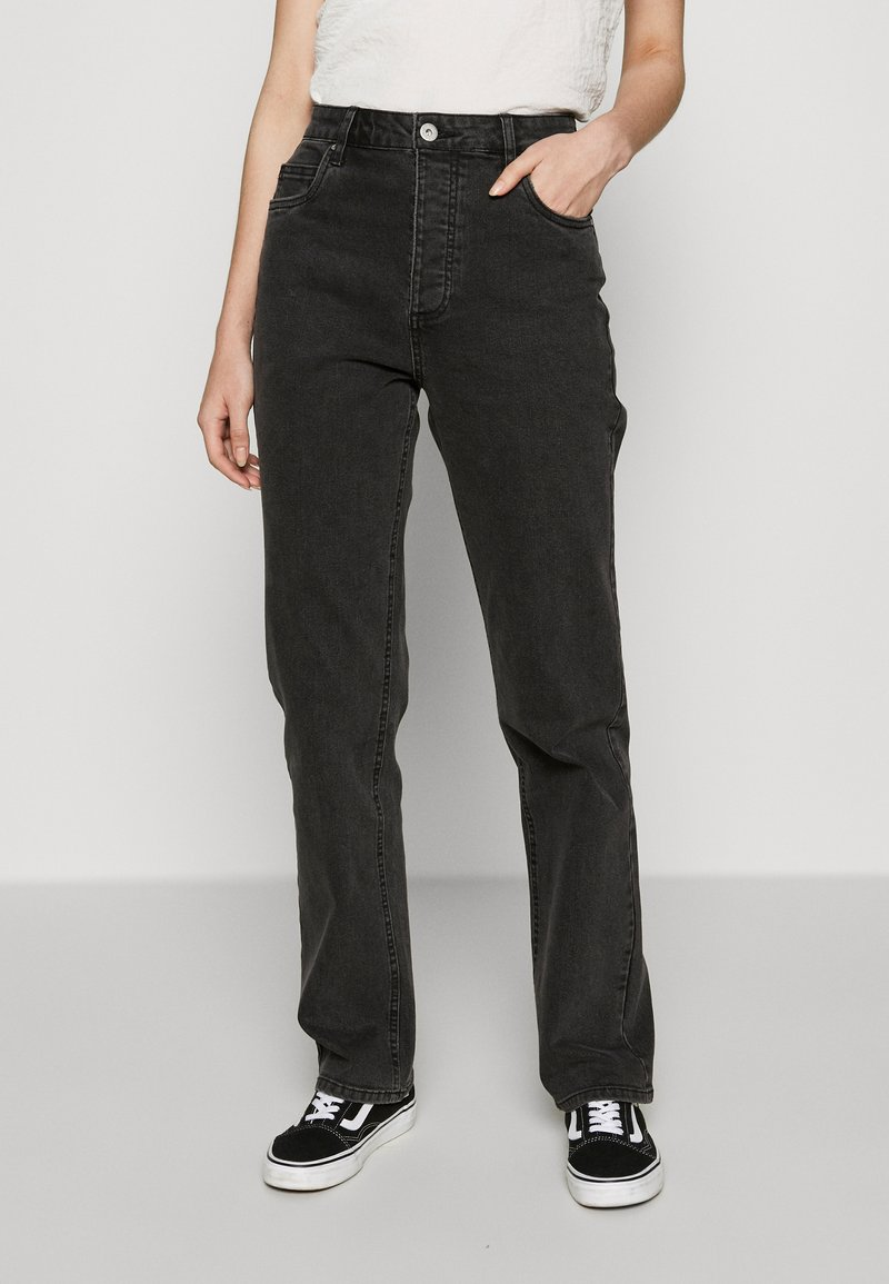 Cotton On - HIGH STRETCH - Straight leg jeans - stonewash black